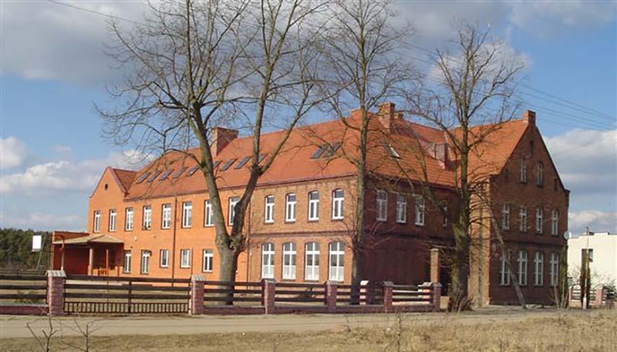 Szkoła Podstawowa im. Agnieszki Bartol w Chojnie
